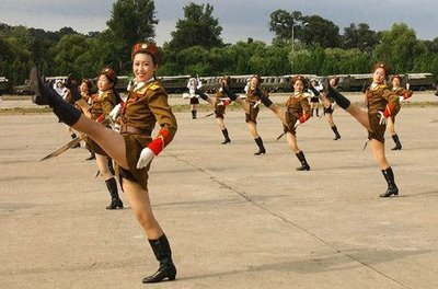 north-korean-female-soldiers