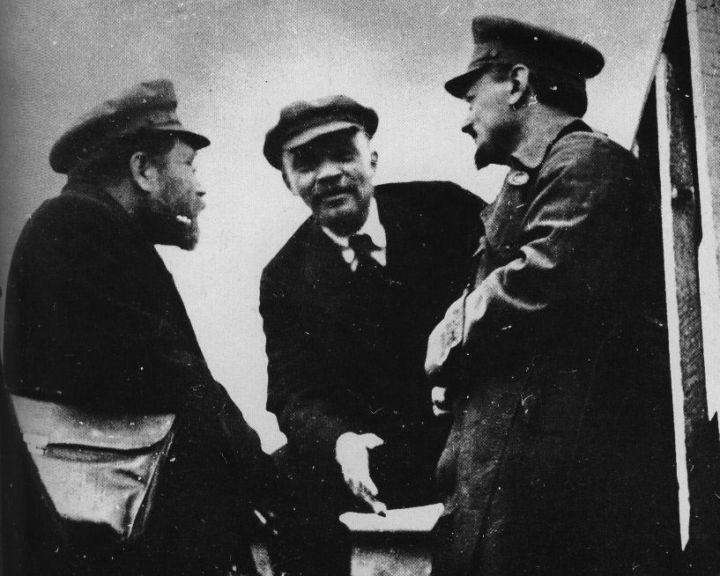 Kamenev-Lenin-Trotsky[1]