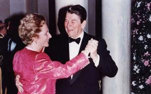 Margaret Thatcher, Ronald Reagan y los mercados financieros desregulados.