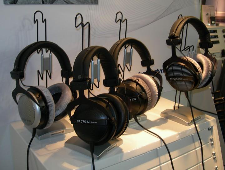 Beyerdynamic_headphones_IBC_2008