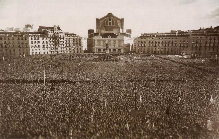 FRANCO 1946